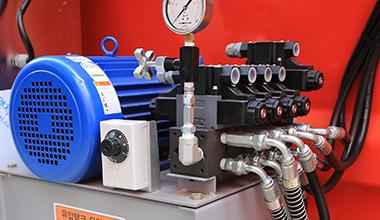 유압전용 히터 부착(동계 대비)